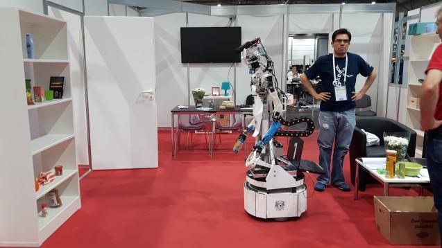 Serviceroboter (Quelle: Andrea Prittmann)