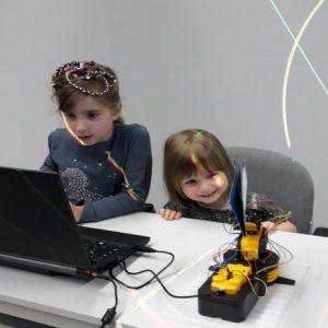 Baue mit uns deinen eigenen Roboter!